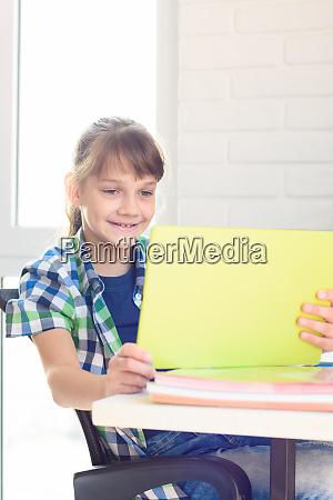 girl communicates via video via social