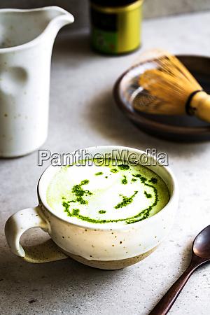 matcha coconut milk latte
