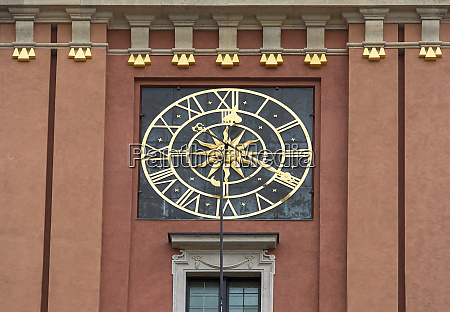 tower clock of royal castle warsaw