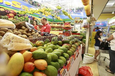 customers in supermarket in salvador