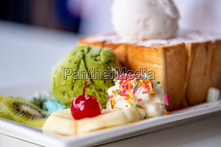 closeup honey toast ice cream