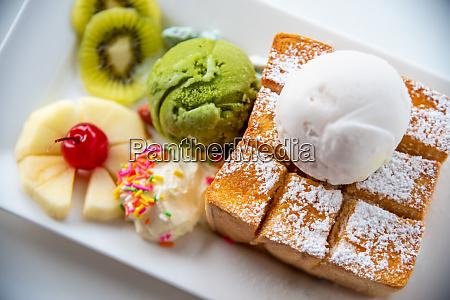 top view honey toast ice cream