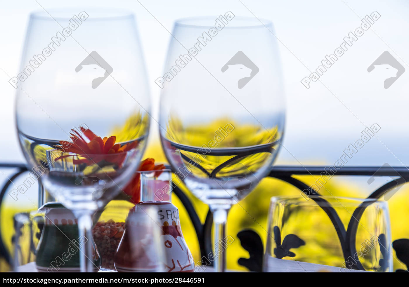 restaurant, table, overlooking, the, sea, on - 28446591