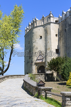 14th century niedzica castle dunajec