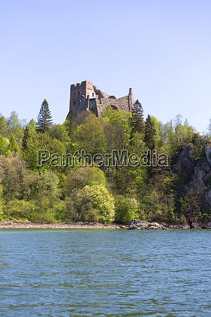 14th century czorsztyn castle ruins of
