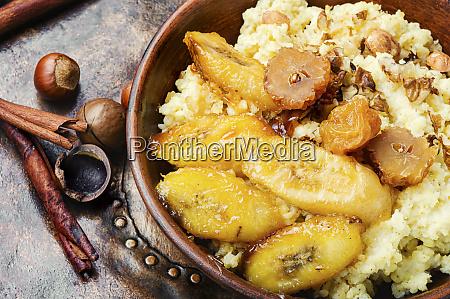 millet porridge with banana