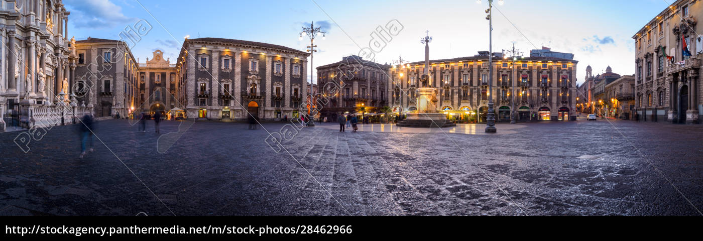 cathedral, square, and, elephant, fountain, in - 28462966