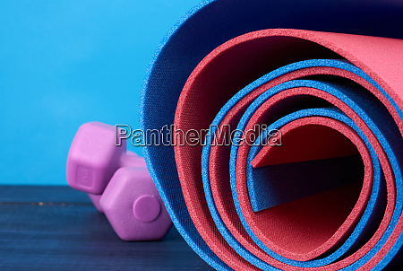 neoprene blue and ren twisted mat