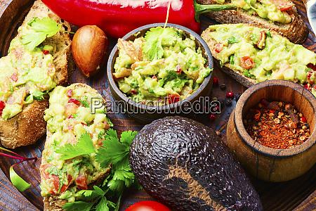 guacamole mexican avocado appetizer