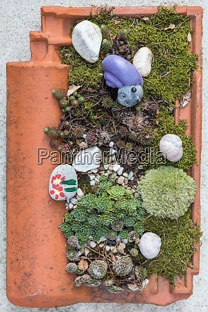 planted roof tiles garden decoration