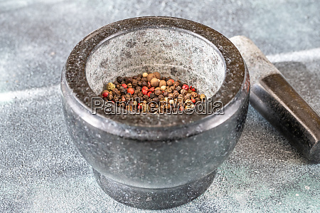 grinding of peppercorn mix