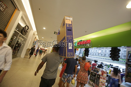 shopping during black friday