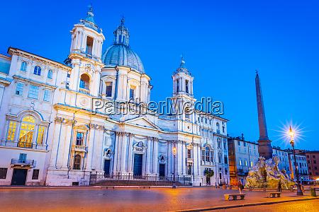 rome italy piazza navona nightscene