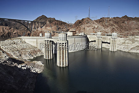 the hoover dam 1935 on the