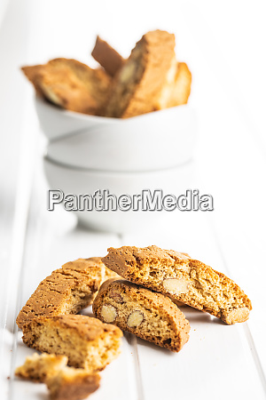 sweet italian cantuccini cookies almonds biscuits