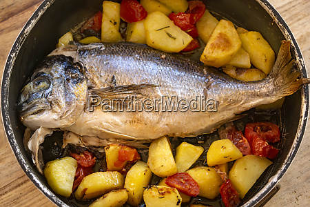 baked bream with potatoes