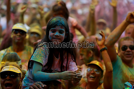 street race the color run in
