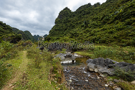 the landscape at ban gioc