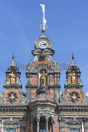 facade of historic town hall stortorget