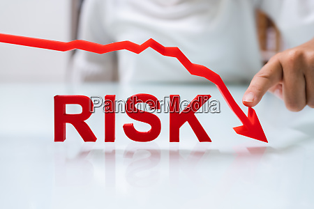 invest in finance with less risk
