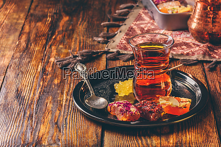 tea in armudu with oriental delight