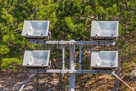 outdoor reflectors
