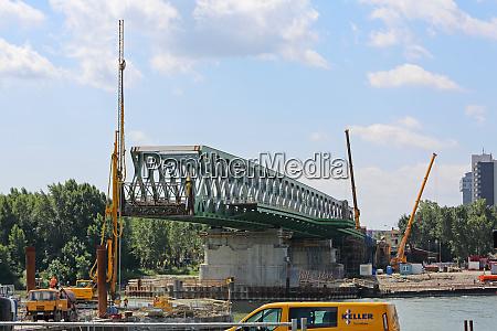bratislava bridge construction