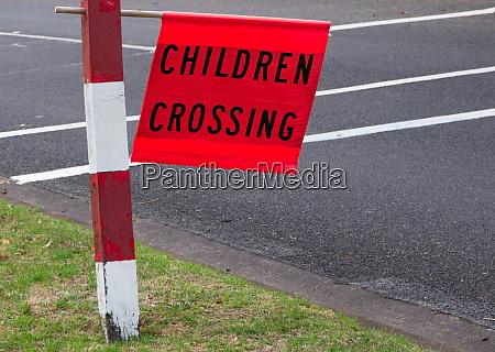 childeren crossing
