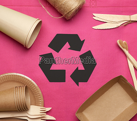 disposable tableware from brown craft paper