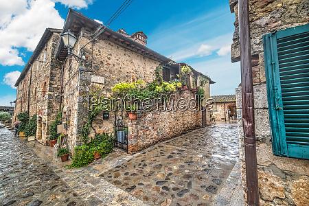 picturesque corner in monteriggioni