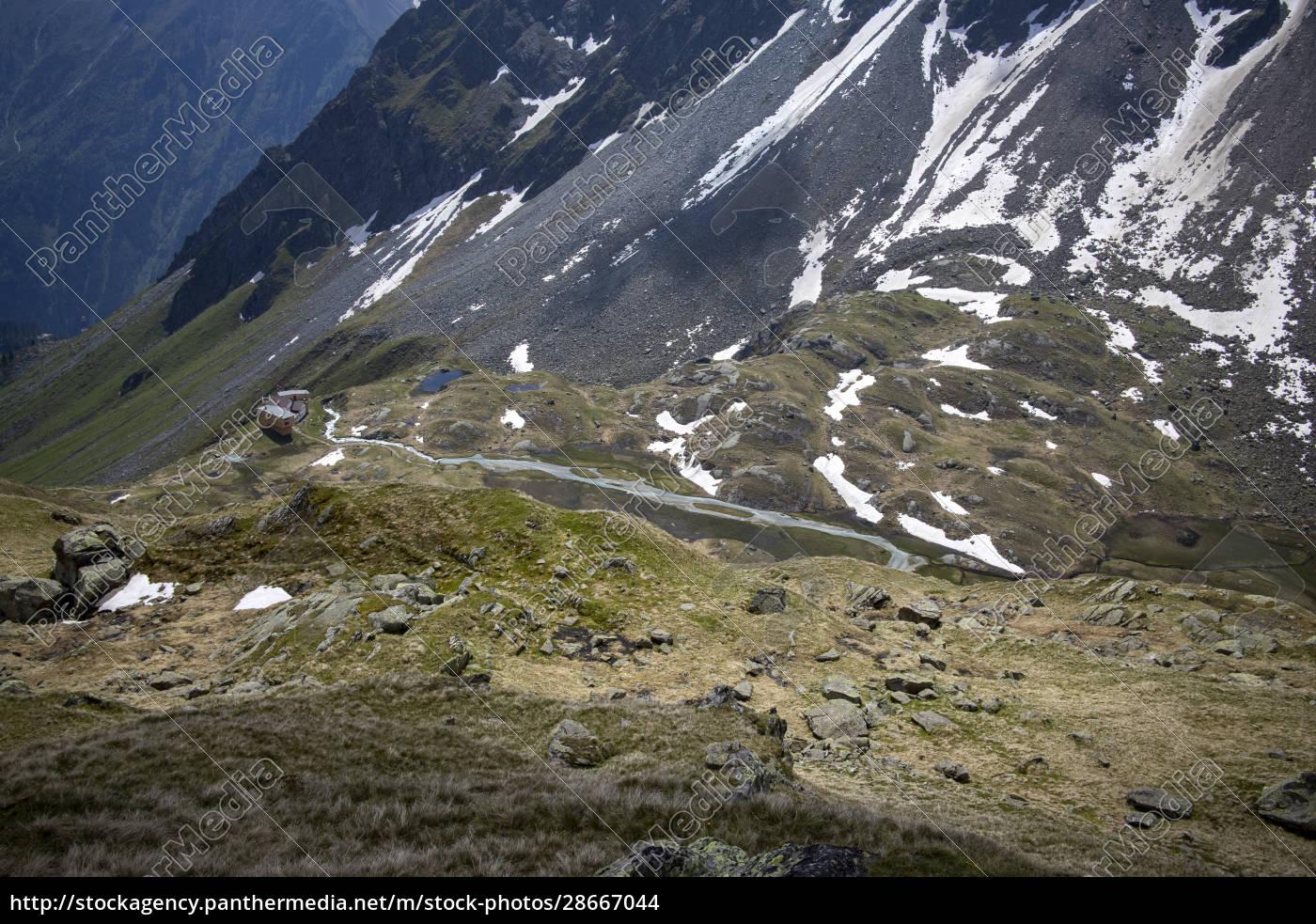 hut, in, the, alps - 28667044