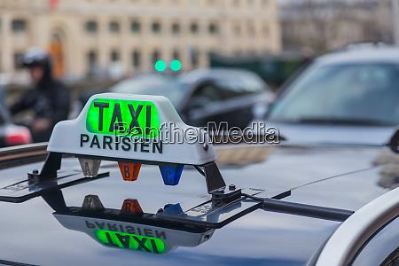 paris taxi sing