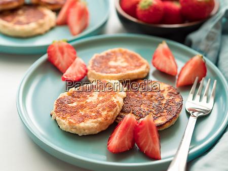 cottage cheese pancakes syrniki ricotta fritters