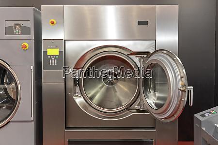 open door washing machine