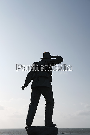 lifeboat memorial soldier statue margate england