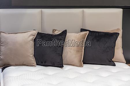 decor pillows cushions