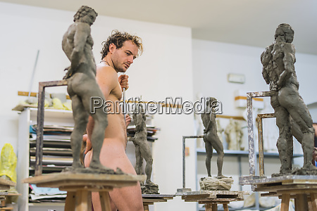 nude model during class