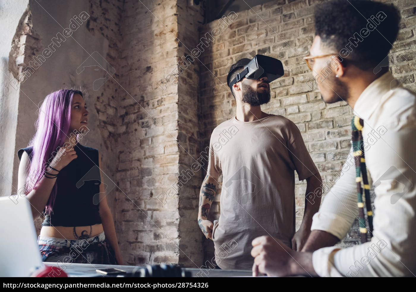creative, team, using, vr, goggles, in - 28754326