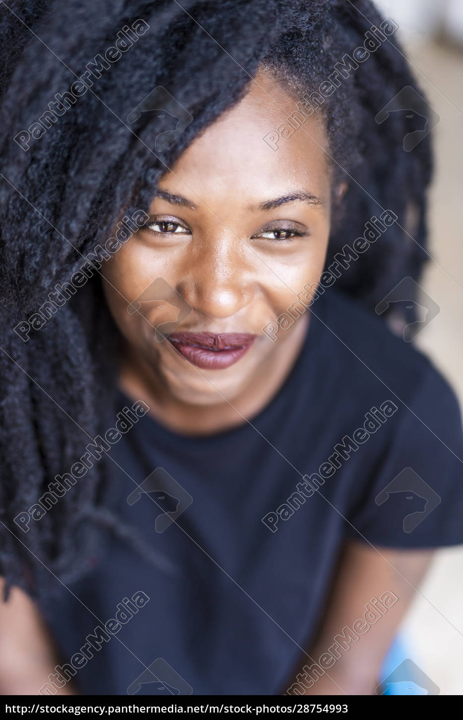 portrait, of, young, woman, with, dreadlocks - 28754993