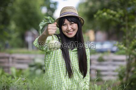 woman in urban gardening
