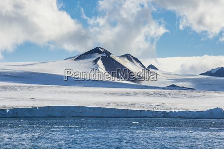 coastal glaciers of tabarin peninsula