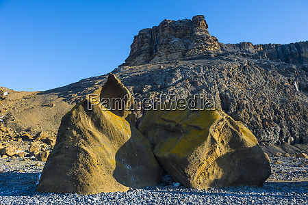 boulders at tabarin peninsula