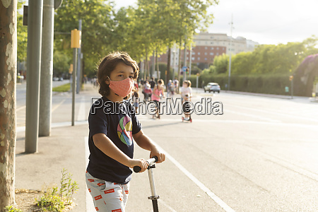 portrait, of, boy, wearing, protective, mask - 28764408