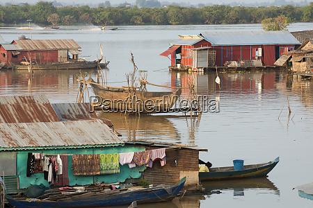 floating village at tonle sap lake