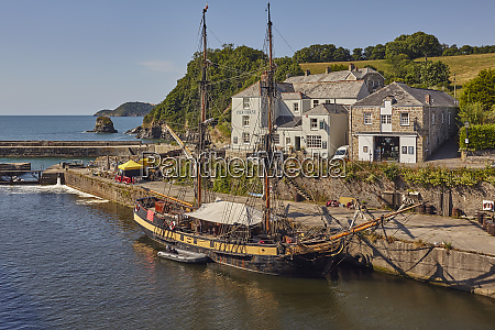 the harbour at charlestown near st