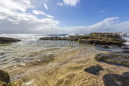 serene calm water on hookipa beach