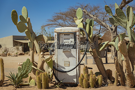old petrol station in solitaire namib