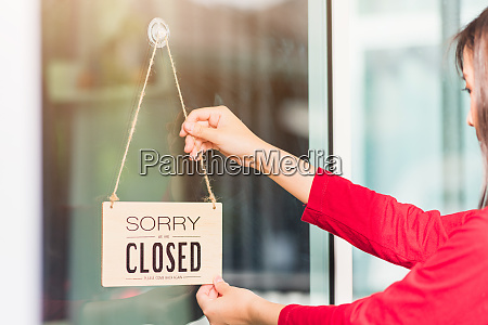 woman, notice, sign, wood, board, label - 28804724