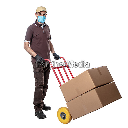 delivery man with mask for covid