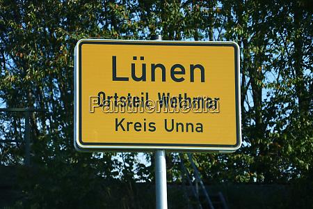 place name sign luenen